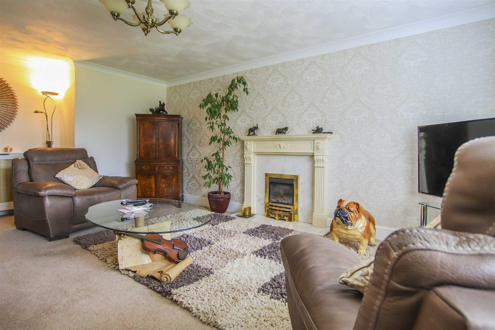 3 Bedroom Detached Bungalow For Sale - Image 4